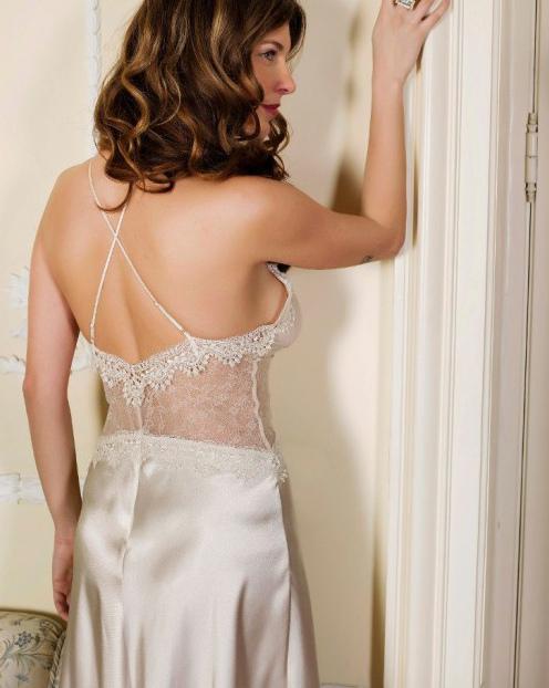 Pierre Cardin iç giyim Çeyizlik 6lı Saten Gecelik, Pijama, Sabahlık ve Şort Takımı 7350 arka